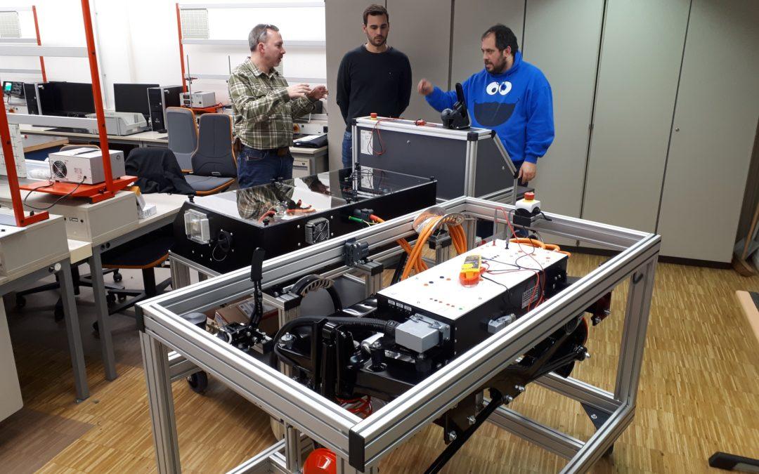 Neuer hochmoderner Fahrstand für E-Mobilität im Messlabor System -und Hochvolttechnik